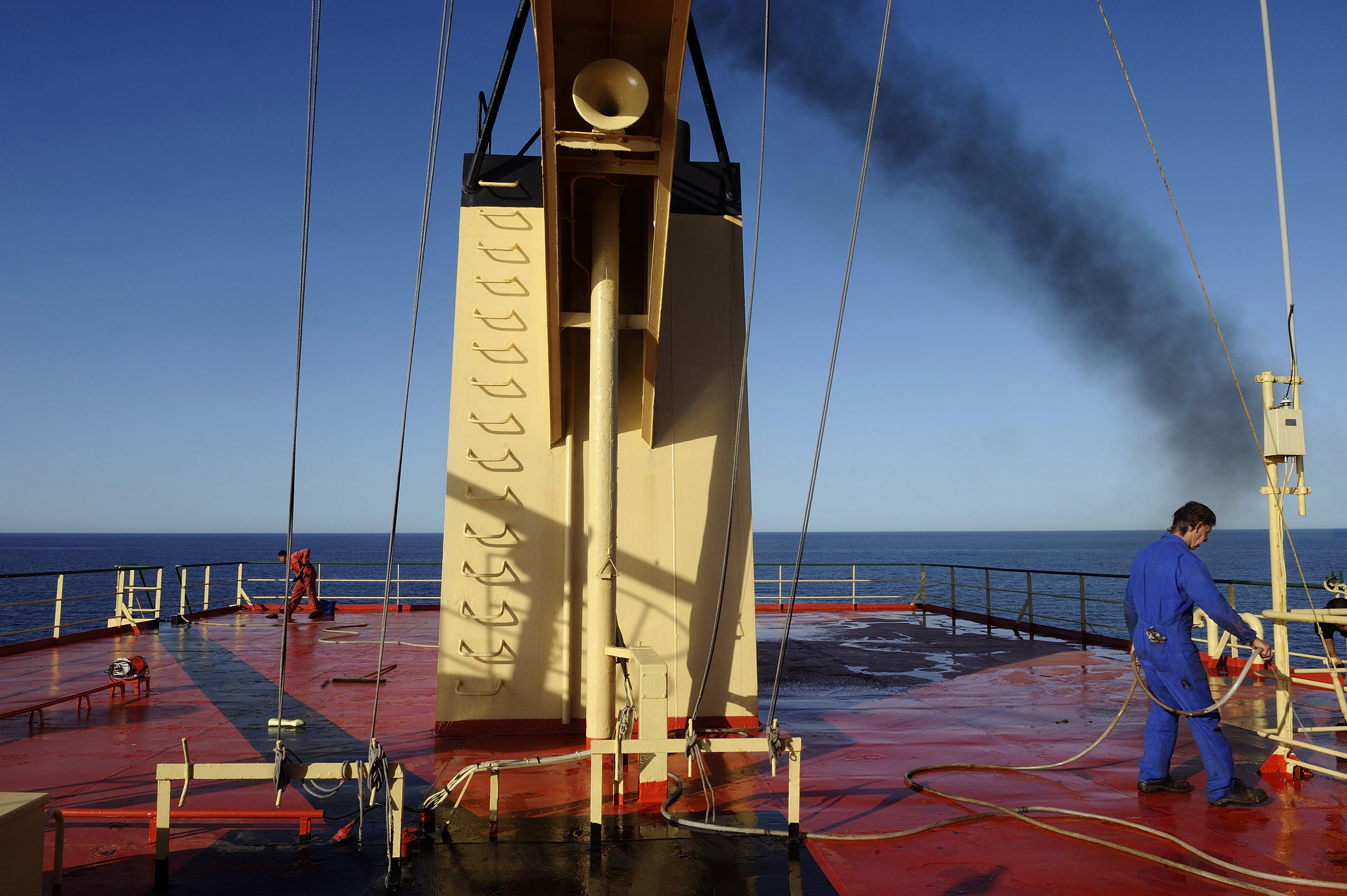 Idrocarburi: ogni settimana sversato in mare l'equivalente di un'Erika