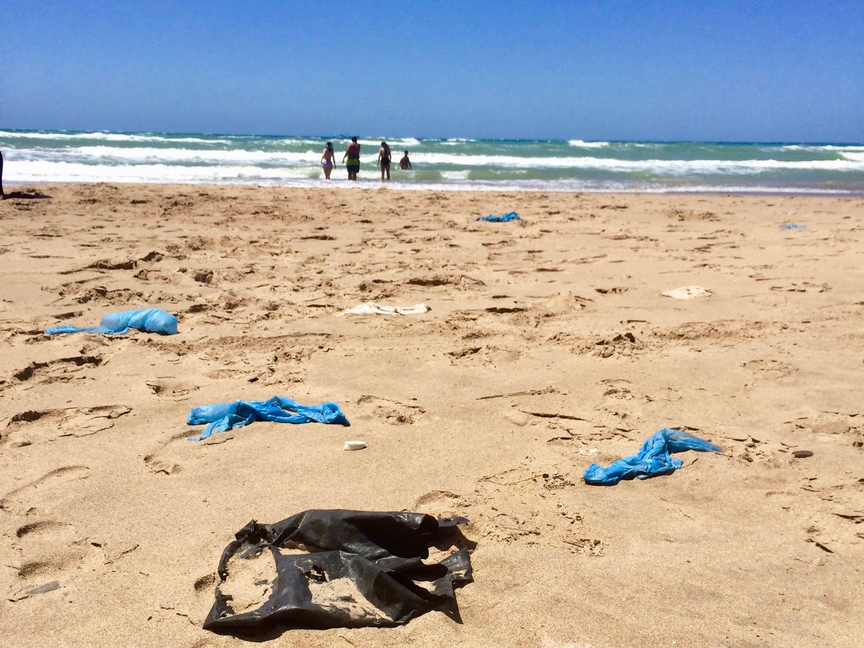 Face aux micro-particules de plastique, la Méditerranée multiplie les micro-initiatives
