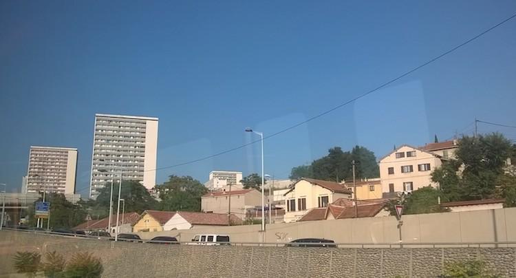 Quartiers Nord de Marseille, des tours qui cachent la forêt, et les villages