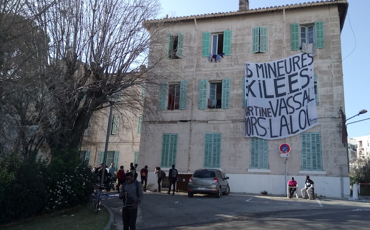 A Marseille, un squat pour accueillir familles et mineurs isolés exilés