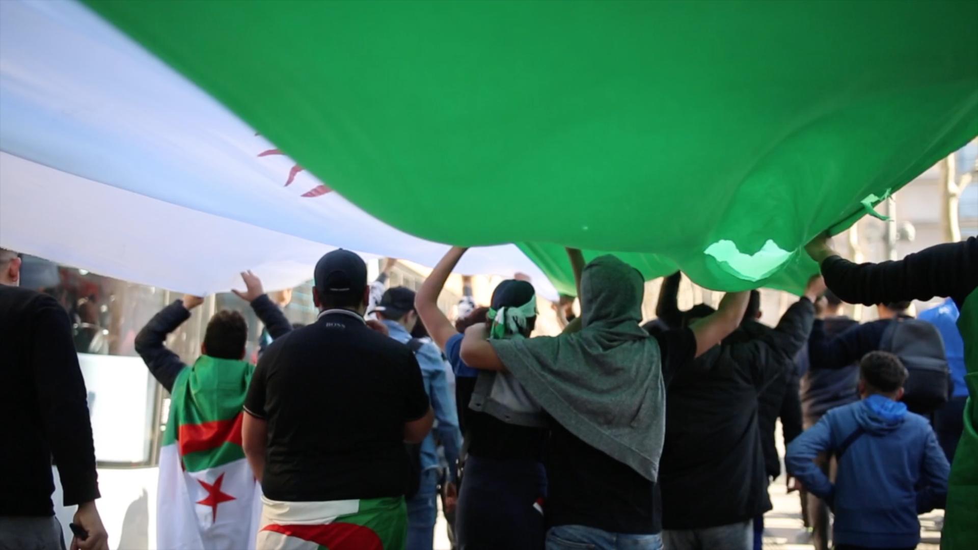 Entretien avec Rostane Mehdi – L'Algérie reprend son indépendance