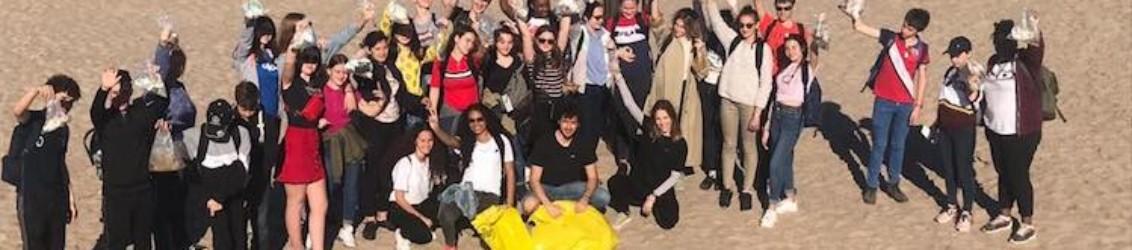 05-Les-volontaires-de-lassociation-Xaloc-durant-le-nettoyage-dune-plage.-Photo-Xaloc-1132x250.jpg