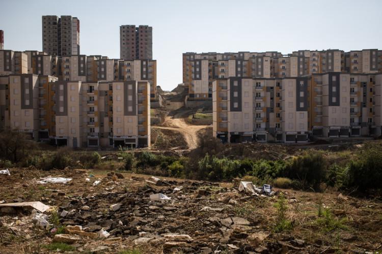 En Algérie, les villes se transforment pour répondre à la crise du logement