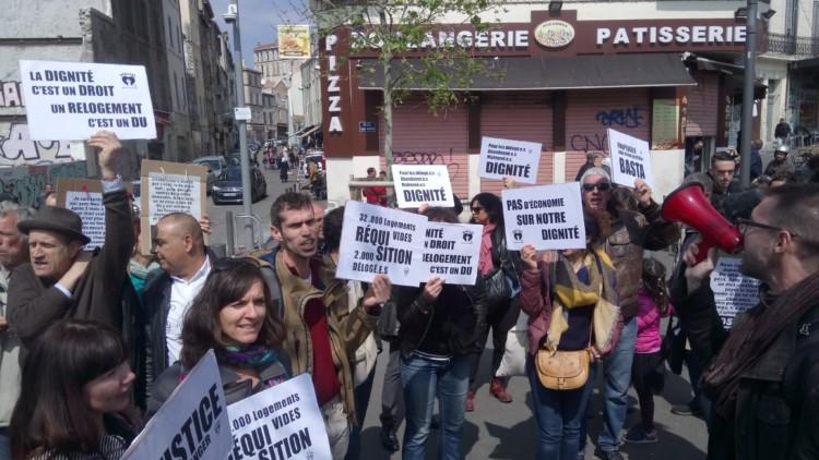 A Marseille, premiers pas pour le droit au logement