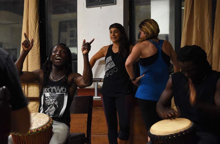 À Madrid, l'immigration africaine s'intègre aux pas de danse