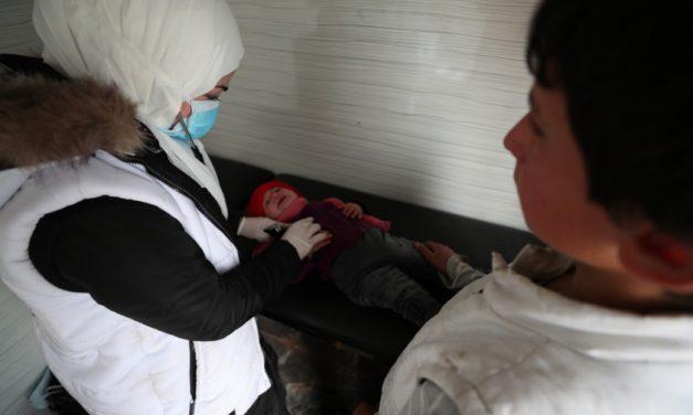 En Syrie, les premiers cas de Covid-19 près d'Idleb menacent une situation sanitaire déjà précaire